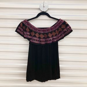 NWT V Cristina Black Embroidered Blouse